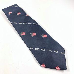 Vintage Patriotic Flags USA Bicentennial Necktie